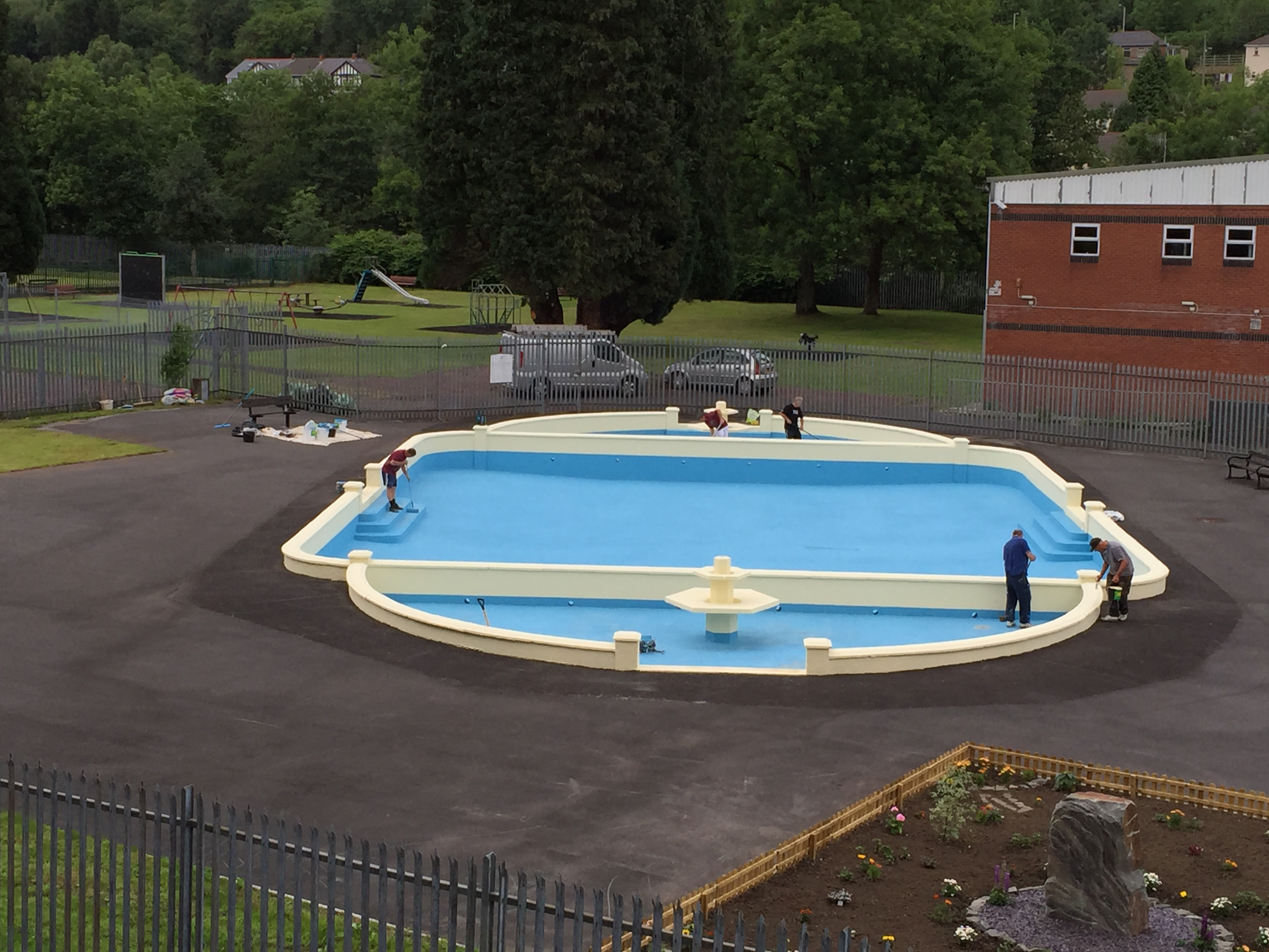 Water Based Acrylic Paint for Swimming Pools and Paddling Pools